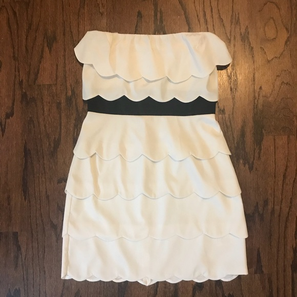 Lush Dresses & Skirts - Lush white scallop mini dress